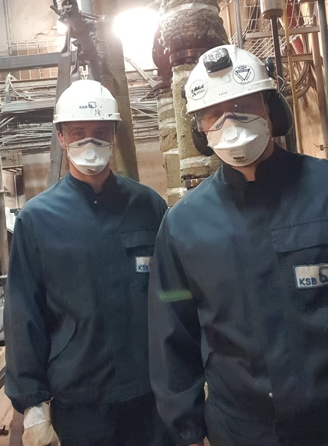 Alexandre et Yannick, techniciens KSB en intervention